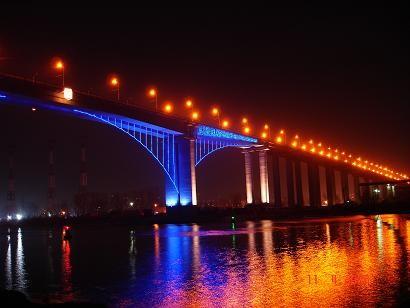 Аспаруховият мост вечер