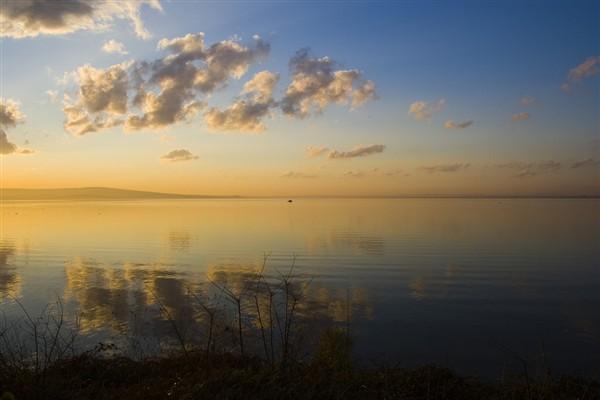Бургаското езеро