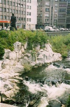 Паметник на Рачо Ковача в река Янтра