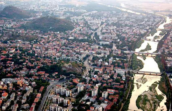 изглед към града и река Марица