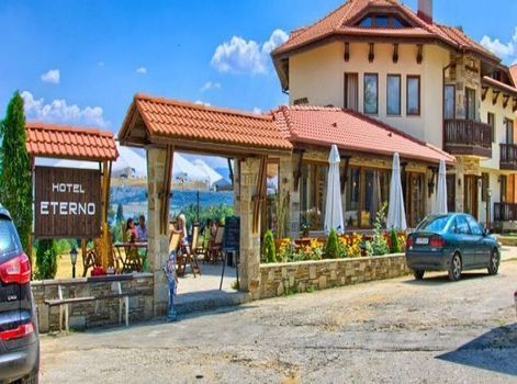 Семеен хотел Етерно