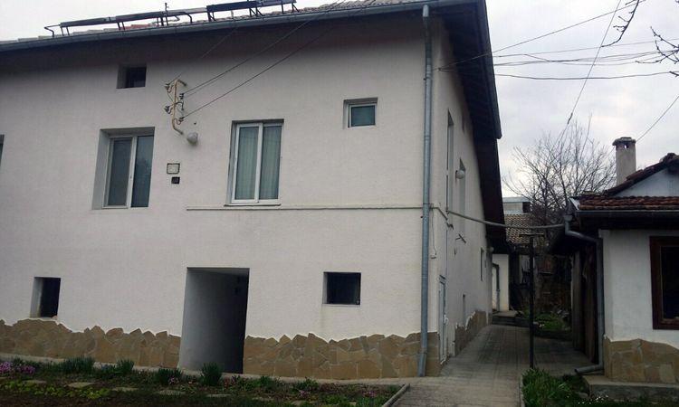 Къща Ненкови